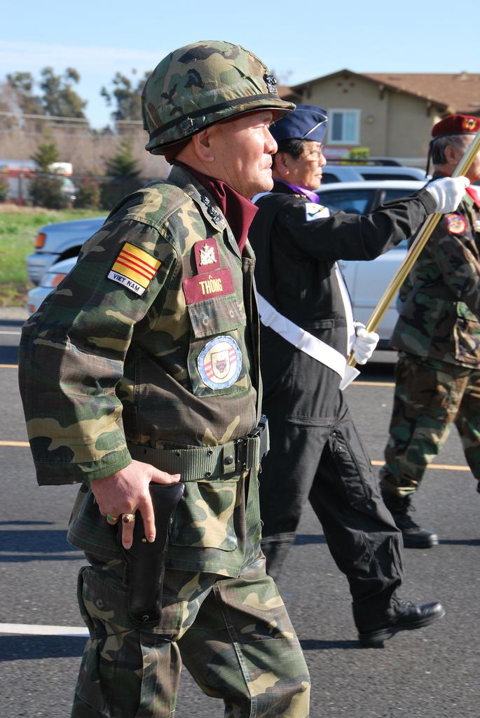 """Quân lực"""" VNCH đang biểu diễn trên đường phố Mỹ"""
